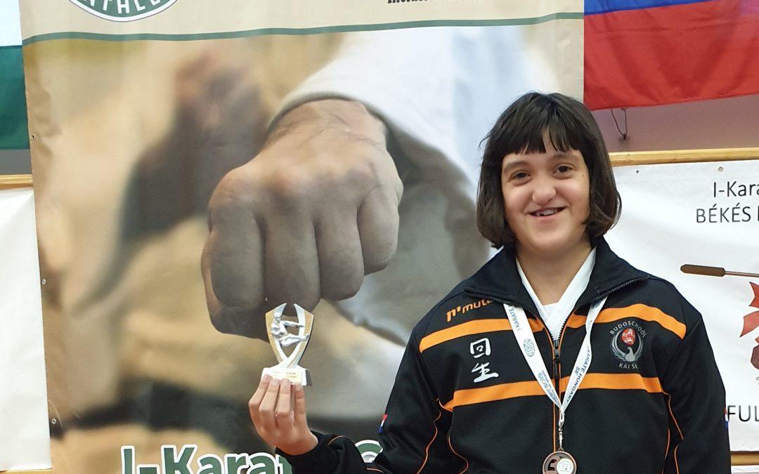 Brons voor Kai Sei para-karateka Elise